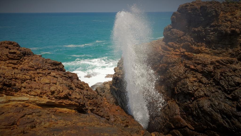 Sri Lanka Hummanaya Blow Hole