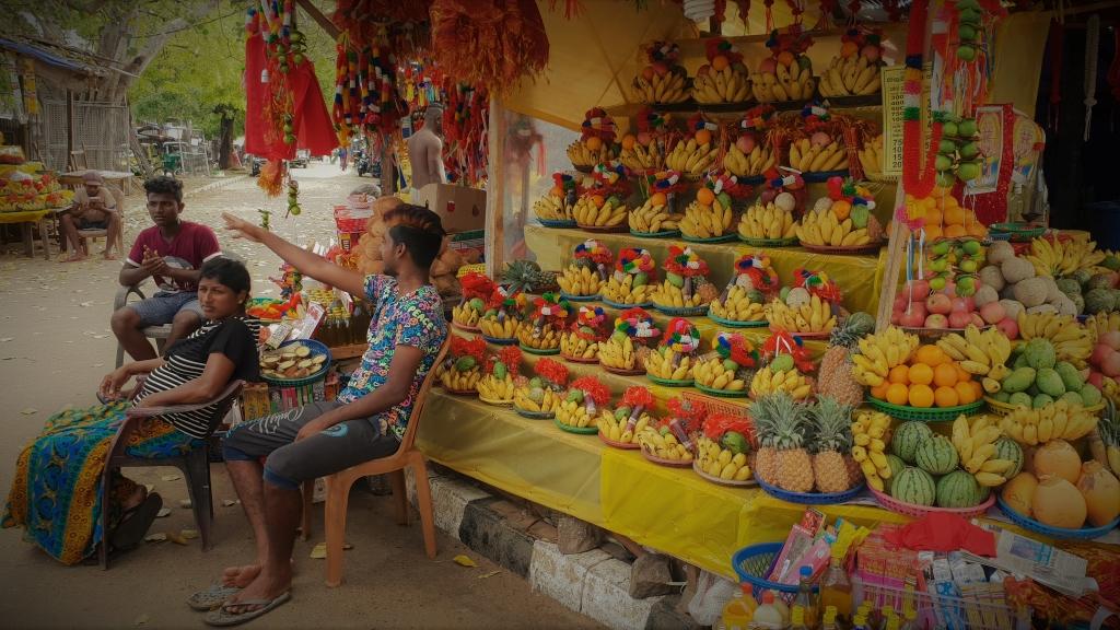 sri lanka kataragama market