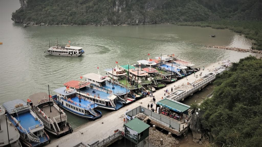 Vietnam halong bay harbur
